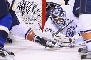 НХЛ. Дубник признан первой звездой дня