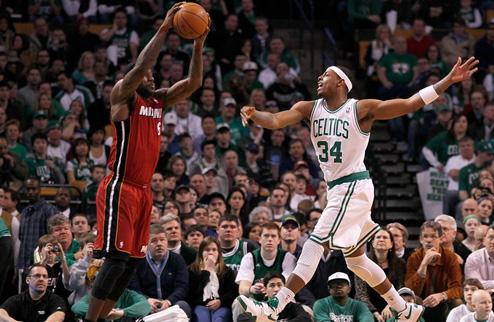 НБА. Бостон снова побеждает Майами, Ховард переигрывает Лейкерс