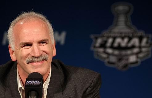 НХЛ. Тренер Чикаго отправлен в больницу