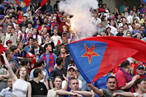 Фанаты ЦСКА устроили драку в Салониках