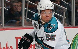 НХЛ. Защитник Сан-Хосе перебрался в Каролину