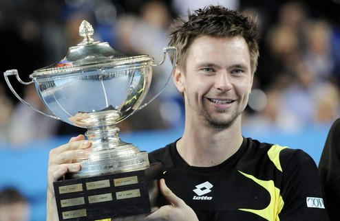 Содерлинг выигрывает третий титул в сезоне