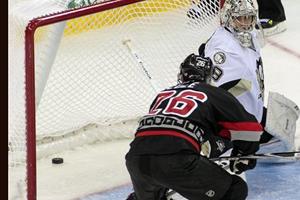 НХЛ. Коул провел 600-ю игру в карьере