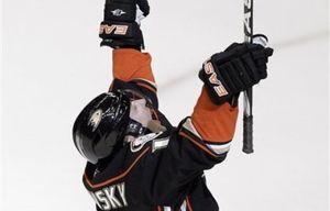 НХЛ. Вишновски признан первой звездой дня