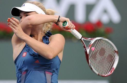 Индиан-Уэллс (WTA). Возняцки неудержима, Клийстерс прекращает борьбу