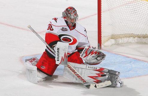 НХЛ. Уорд признан первой звездой дня