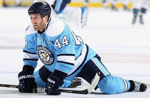 НХЛ. Орпик почти восстановился, Нисканен готов играть
