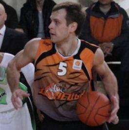 БК Донецк расстался с Шапошниковым и Зозулей