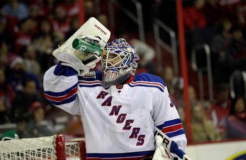 НХЛ. Рейнджеры остановили Бостон