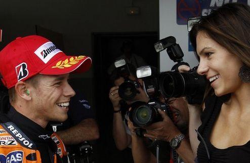 Moto GP. Гран-при Испании. Стоунер первый и на разогреве