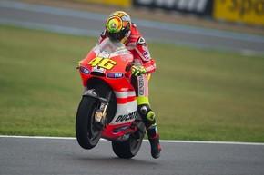 MotoGP. Росси извинился перед Стоунером. ВИДЕО