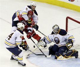 НХЛ. Энрот признан первой звездой дня
