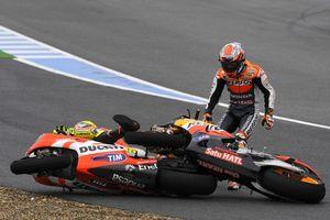 Moto GP. Руководство FIM изучит обстоятельства аварии Росси и Стоунера