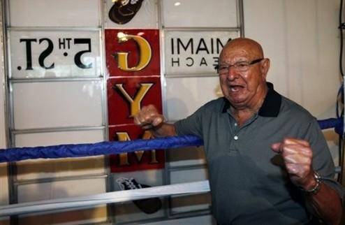 Бывший тренер Мухаммеда Али помогает Хэю готовиться к следующему бою