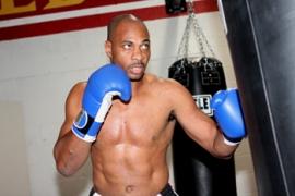 Уильямсон успешно вернулся на ринг