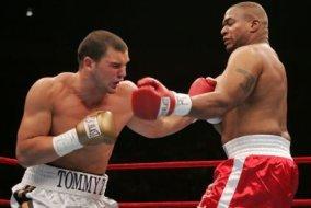 НФЛ. Боксерская карьера Жбиковски продолжается
