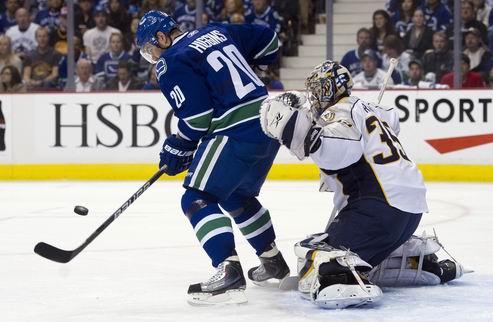 НХЛ. Ванкувер с трудом обыграл Пекку Ринне