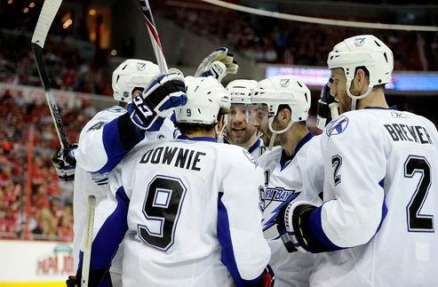 НХЛ. Вашингтон — Тампа-Бэй: Молнии начинают с победы