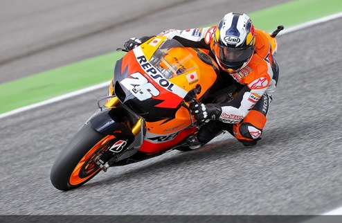 MotoGP. Гран-при Португалии. Педроса бьет Лоренсо
