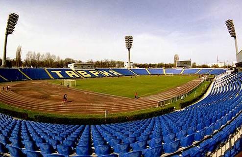 Таврия затеяла реконструкцию стадиона Локомотив