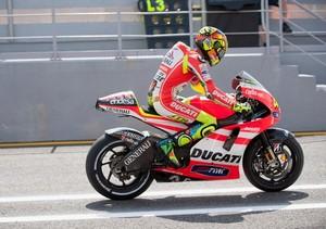 MotoGP. Росси признает слабость Дукати