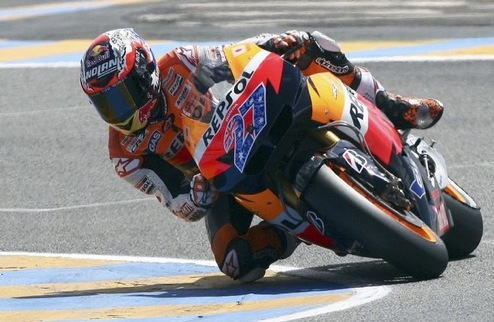 MotoGP. Гран-при Франции. Стонер побеждает, Росси на подиуме
