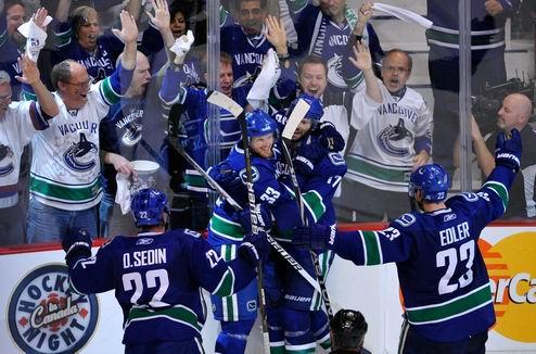 НХЛ. Хенрик решает, Ванкувер побеждает