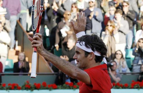 Федерер налегке проходит в полуфинал к Джоковичу