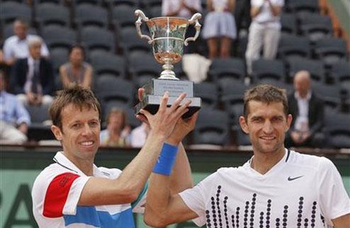 Нестор и Мирный стали победителями Ролан Гаррос-2011