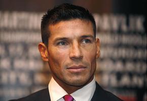 На встречу с Мартинесом претендуют трое боксеров