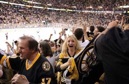НХЛ. Фаны Бостона перекричали болельщиков Ванкувера