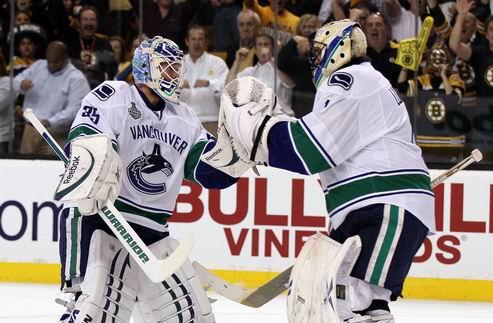 НХЛ. Люонго остается первым номером Ванкувера