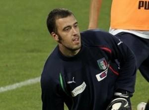Вивиано может оказаться в Арсенале