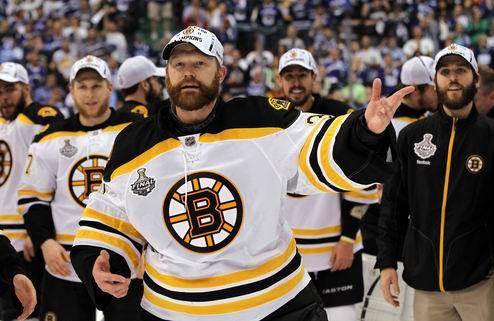 НХЛ. Чемпионский парад Бостона: более миллиона людей