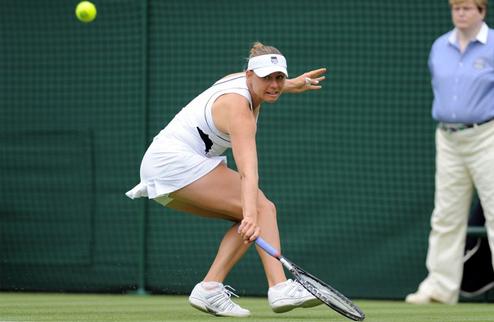 Уимблдон (WTA). Звонарева покидает турнир