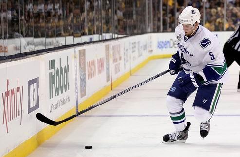 НХЛ. Ванкувер готов расстаться с Эрхоффом