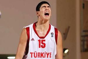 Кантер хочет сыграть за Турцию на Евробаскете
