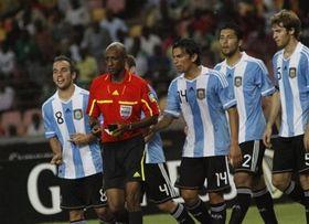 ФИФА разыскивает арбитра матча Аргентина-Нигерия