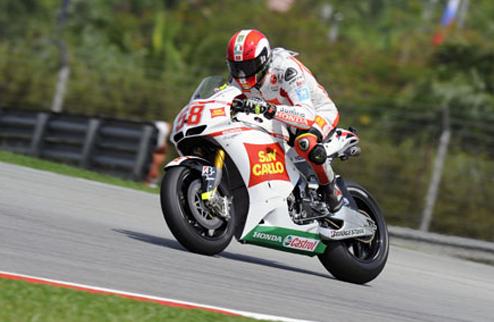 MotoGP. Гран-при Италии. Симончелли выигрывает утреннюю разминку