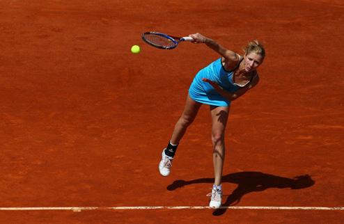 А.Бондаренко громит соперницу на старте турнира в Будапеште