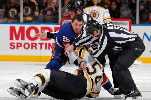НХЛ. Тафгай Айлендерс перебрался в Оттаву