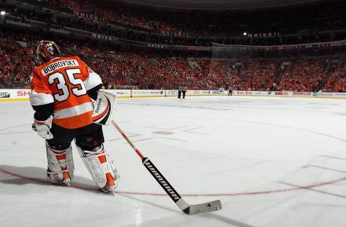 НХЛ. Филадельфия желает обменять Бобровского