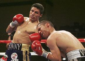 Гонсалес защитил свой чемпионский титул в поединке с Вильей