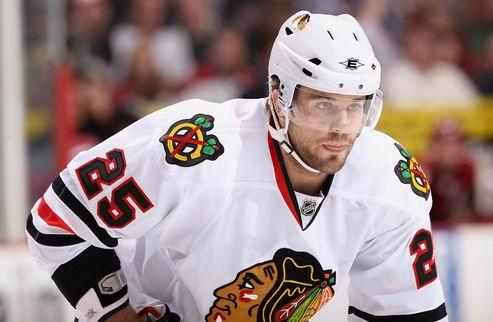 НХЛ. Чикаго: новый контракт нападающего
