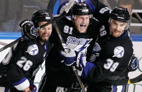 """НХЛ. Стэмкос: """"Мне присылали мои фотографии в форме Торонто"""""""