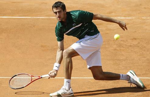 Чилич выходит в четвертьфинал в Германии