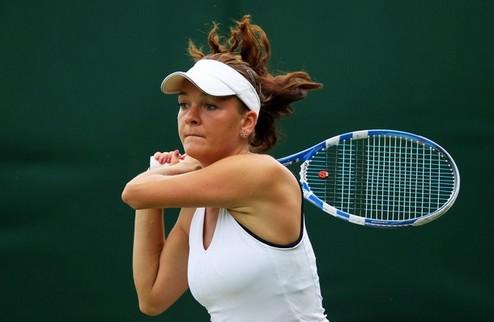 Стенфорд (WTA). Радванска выходит во второй круг