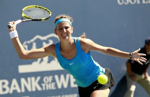 Стенфорд (WTA). Азаренко и Стосур выбывают