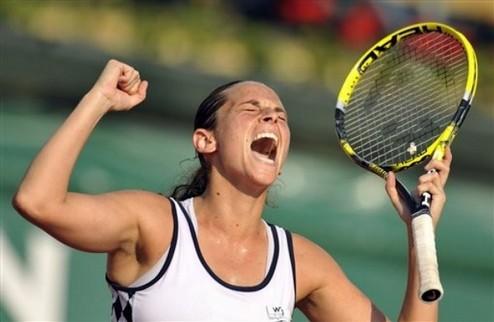 Карлсбад (WTA). Винчи и Раззано идут дальше