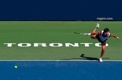 Стосур стала первой финалисткой в Торонто